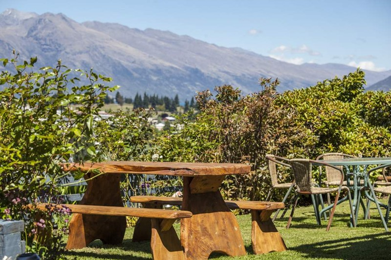 Garten, Coronet View Deluxe B&B and Apartments, Queenstown, Neuseeland Hochzeitsreise