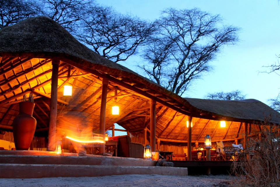Camp bei Nacht, Little Oliver's Camp, Tarangire Nationalpark, Tansania Flitterwochen