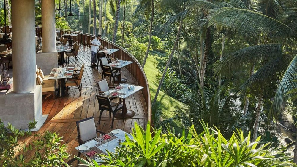 Restaurant im freien, Four Seasons Bali at Sayan, Ubud, Indonesien Flitterwochen
